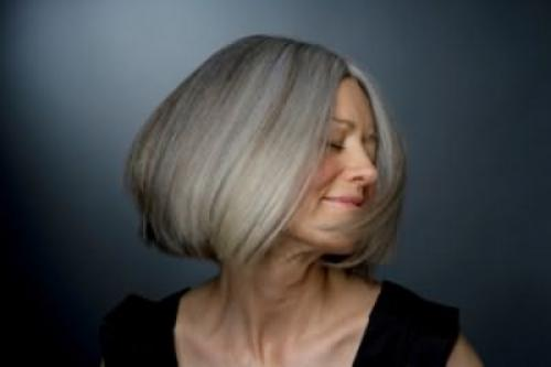 Как окрасить седые волосы в блондинку. Как окрасить седые волосы
