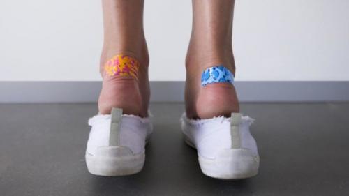 Как в новых туфлях не натереть мозоли. Почему обувь натирает