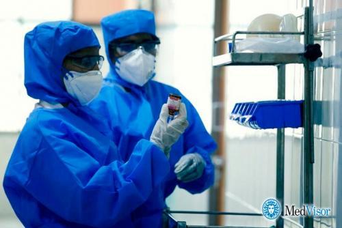 Какие лекарства принимать при коронавирусе. Какими лекарствами лечат коронавирус?