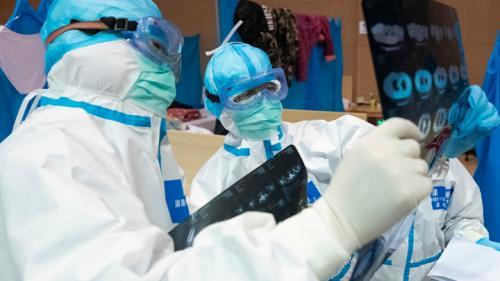 Возраст умерших от коронавируса в Китае. Под ударом сердце и почки?
