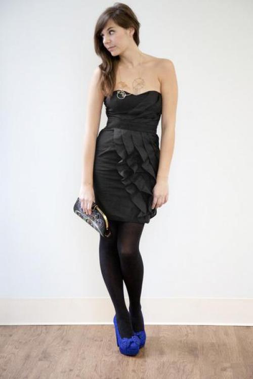 Какие колготки одеть под черное платье и черные туфли в ресторан. С какими туфлями носить черное платье