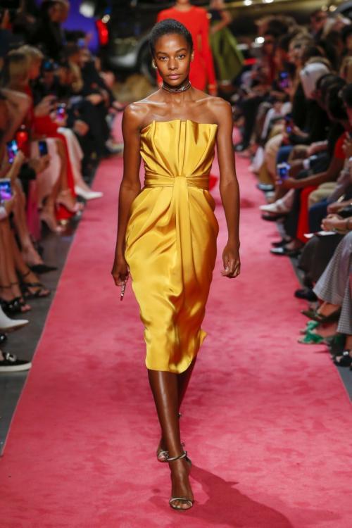 Желтые платья на Новый год. Красивые выпускные,вечерние и новогодниежелтые платья