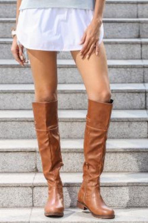 Замшевые ботфорты без каблука с чем носить. Модели из замши