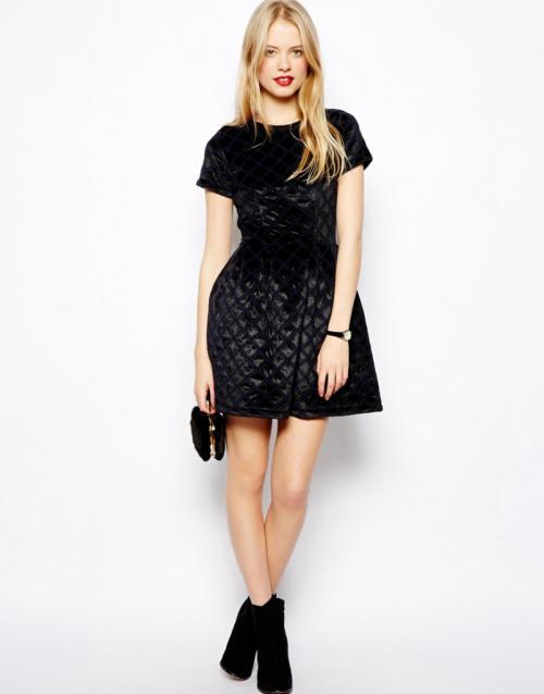 Фасоны платье из велюра. Модные фасоны бархатных платьев