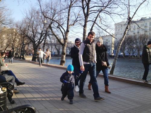 В чем сейчас ходят в Москве в такую погоду. Рекомендации по внешнему виду в Москве