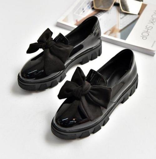 С чем носить лоферы женские на толстой подошве. Красивые модели женских лоферов и с чем носить такую обувь в 2019 году