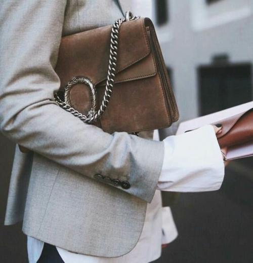 Женский серый пиджак с чем носить. C чем носить серый пиджак: современные образы