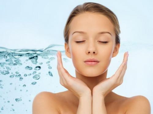 Увлажнение кожи в домашних условиях. Увлажнение сухой кожи лица в домашних условиях: какие средства можно использовать для такого ухода