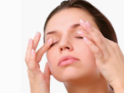 Как избавиться от хронических мешков под глазами. Народные средства