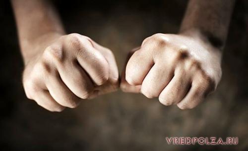 Хрустеть пальцами вредно или полезно. Вред хруста пальцами