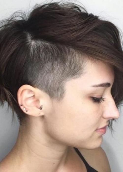 Рисунки на голове для девушек. Выбритые рисунки на голове: 9 оригинальных причёсок для смелых девушек 27